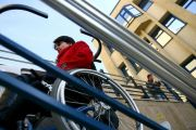 Guvernul impoziteaza si veniturile handicapatilor! ANPH cere Finantelor sa elimine taxele