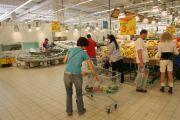 20 de tone de alimente cu probleme! Penny Market, Kaufland, Real, Carrefour, Selgros si Metro, amendate!