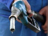"""Isarescu: """"Nu se cuvine ca in modul de calcul al pretului benzinei sa fie inclus cursul de schimb"""" VIDEO"""