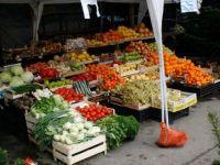 Statul scoate la licitatie tone de fructe si legume confiscate! Video!