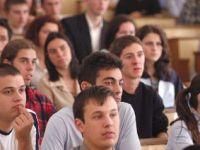 Studentii pot face practica pentru Nokia, Siemens sau Leoni pe salarii din bani europeni