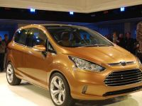 Noi clipuri video cu Ford B-Max, masina ce va fi produsa la Craiova