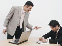 Teama de somaj: jumatate din angajati nu si-ar da demisia, indiferent de atitudinea sefului