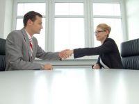 Cine are sanse sa se angajeze in aprilie: contabilii, IT-istii si cei care stiu limbi straine