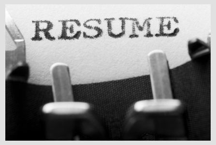 Cum te angajezi daca iti imprimi CV-ul pe tricou sau ti-l postezi pe Facebook GALERIE FOTO