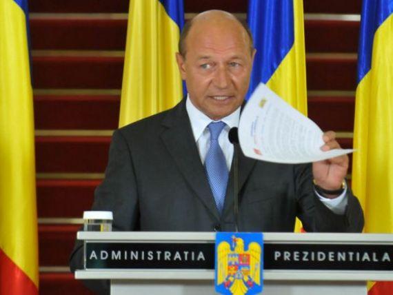 Basescu spune ca nu va renunta la eliminarea prezumtiei dobandirii licite a averii din Constitutie