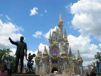 Cat costa lumea de poveste a lui Disney? O casa a artistului din Los Angeles, scoasa la vanzare GALERIE FOTO
