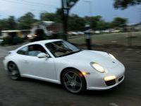 """Porsche a demarat in tromba in prima jumatate a anului. Profitul producatorului german a crescut cu 60%, la peste 1 mld.<span lang=""""RO"""" style="""""""">&euro;</span>"""