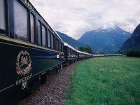 Trenul Orient Express a oprit in Sinaia. Voiajul de lux costa 6.000 de euro