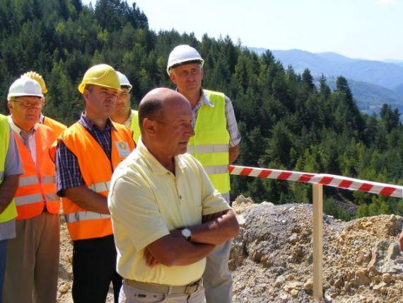 Cum vrea Traian Basescu sa creeze noi locuri de munca si ce planuri are pentru minele inchise