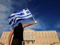 Ce poate invata Romania din greseala statului elen: anul trecut grecii stateau la plaja, acum sunt in pragul falimentului