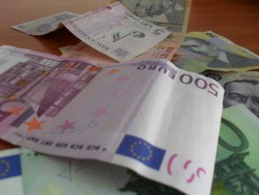 Comisia Europeana a blocat 1 mld. de euro pentru Romania. Autoritatile trebuie sa justifice cum au cheltuit banii VIDEO