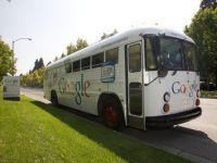 Autobuzul Google strabate lumea. Cum te invata compania sa navighezi pe internet FOTO