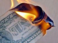 Dispare dolarul. 10 motive pentru care moneda americana isi pierde suprematia in lume
