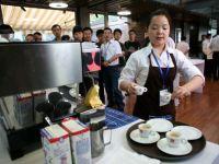 China, noul miraj. De ce vor producatorii de cafea sa-i convinga pe asiatici sa renunte la ceai