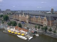 Opt din zece olandezi se opun anularii restrictiilor pe piata muncii pentru romani si bulgari