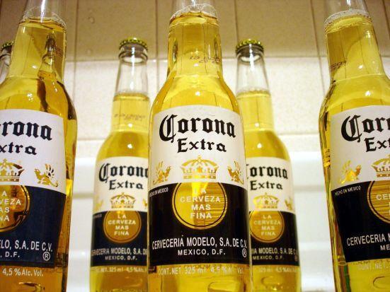 4. Corona – valoarea brandului: 5,11 miliarde de dolari, in scadere cu 6% fata de anul trecut