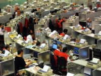 Operatorul bursei din Hong Kong preia piata de metale din Londra, cea mai mare din lume