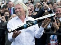 Urmatoarea statie: Spatiul. Miliardarul Richard Branson lanseaza prima nava spatiala privata. Cat costa sa fii al doilea roman care zboara in Cosmos FOTO