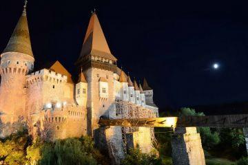 Castelul Corvinilor, locul II in topul celor mai infricosatoare cladiri din lume, in pragul distrugerii