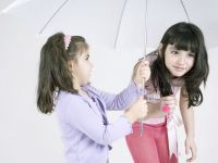 Copiii de bani gata schimba trendul in moda. Brandurile de lux speculeaza placerea parintilor de a-si rasfata mostenitorii