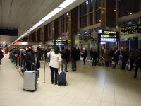 Cu biletul de avion pe tren. Calatorii care aterizeaza pe Aeroportul Otopeni ar putea ajunge gratuit cu trenul in Bucuresti