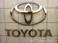 Lupta acerba pentru suprematie in industria auto: Toyota, pe cale sa revina pe primul loc, VW si GM se bat pe locul al doilea