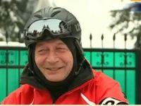 """Basescu ironizeaza Guvernul de pe snowmobil: """"Cred ca va fi un an formidabil pentru romani, daca analizam programul de guvernare"""""""