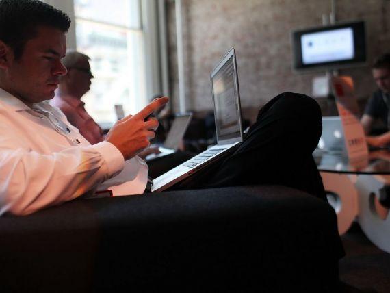 Trei motive pentru care sa renuntati la retelele de socializare in 2013
