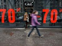 Hainele la reducere s-au terminat intr-o saptamana. Retailerii promit discounturi de pana la 90%, spre sfarsitul lunii
