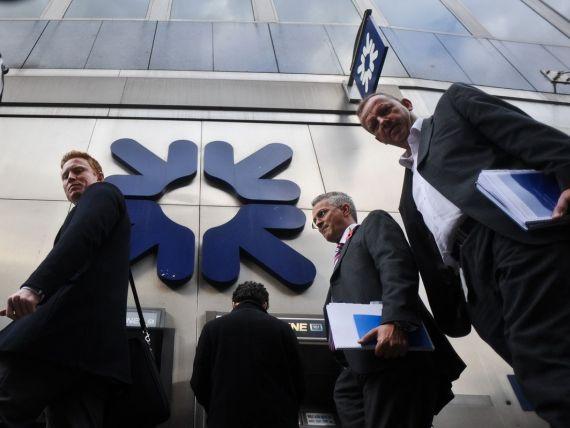 Băncile britanice vor închide în acest an un număr record de 762 de sucursale