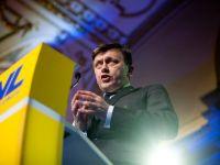 """Crin Antonescu, reales presedinte al PNL cu 1.434 de voturi """"pentru"""" si 44 """"impotriva"""""""