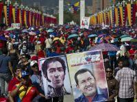 Mii de venezueleni asista la funeraliile presedintelui Hugo Chavez