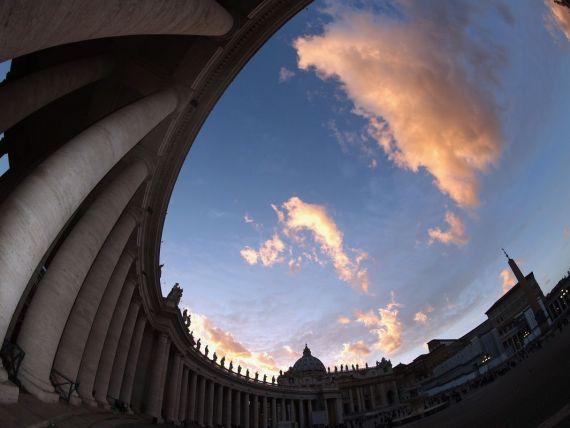 Povestea  Domnului 500 . Fostul contabil sef al Vaticanului, achitat de acuzatiile de contrabanda si coruptie