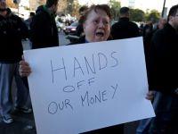 Bogatasii cu conturi in Cipru au reusit sa-si salveze economiile. Cum s-au evaporat banii din bancile inchise, in asteptarea planului de salvare