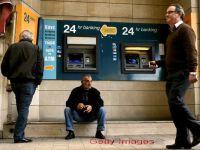 Bancile cipriote au fost deschise timp de 6 ore, dupa care s-au inchis, din nou, pana marti