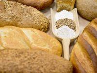 Aproape trei sferturi din painea neagra de pe piata este falsificata. Cum se recunoaste painea colorata cu cacao, malt sau caramel