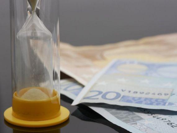 Fondurile straine fac bancilor din Grecia oferte  umilitoare , similare celor din Romania, pentru creditele neperformante