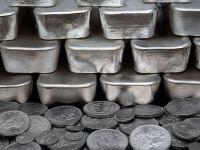 Pretul argintului a scazut cu 7%, la cel mai redus nivel din 2010, in paralel cu declinul aurului