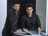 Doi romani de 25 ani au creat o aplicatie care ajuta managerii sa eficientizeze timpul angajatilor