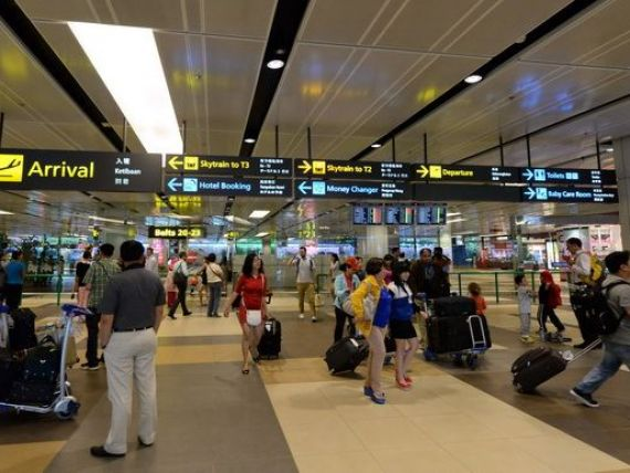 Te plictisesti asteptand avionul? Ce aeroporturi iti ofera jacuzzi, concerte live, teren de golf sau cinema IMAX