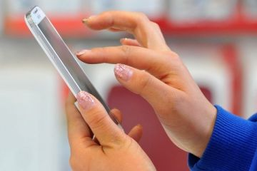 Aplicatii care iti schimba viata. Cum afli de pe smartphone daca te pacaleste taximetristul sau care sunt cele mai bune restaurante si hoteluri