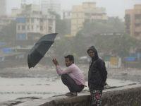Peste 60 de morti in India, din cauza musonului