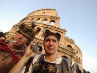 """Italia traverseaza una dintre cele mai grave recesiuni din istorie. """"Joburile de strada"""", noua alternativa la saracie"""