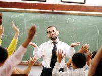 Un profesor din Romania castiga pe luna cat un cadru didactic din Luxemburg in 4 ore