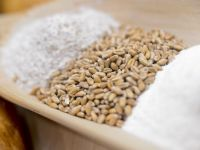 Saraca tara bogata! Desi agricultorii scot productii record de cereale, nu-si acopera investitia initiala, din cauza preturilor mici