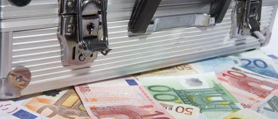 Start cu repetitie la competitia pentru bani europeni. Cum voia Ministerul Educatiei sa dea 160 mil. euro bdquo;cu dedicatie