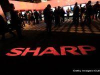 Foxconn revizuieste in scadere oferta de preluare a gigantului japonez Sharp, adus pe marginea prapastiei de rivalii asiatici