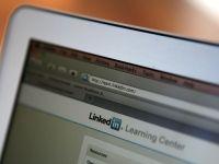 Clienti ai LinkedIn acuza compania de folosirea datelor lor personale pentru atragerea de membri