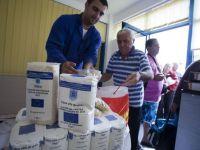 Alimente distribuite somerilor si pensionarilor, luni, in Capitala